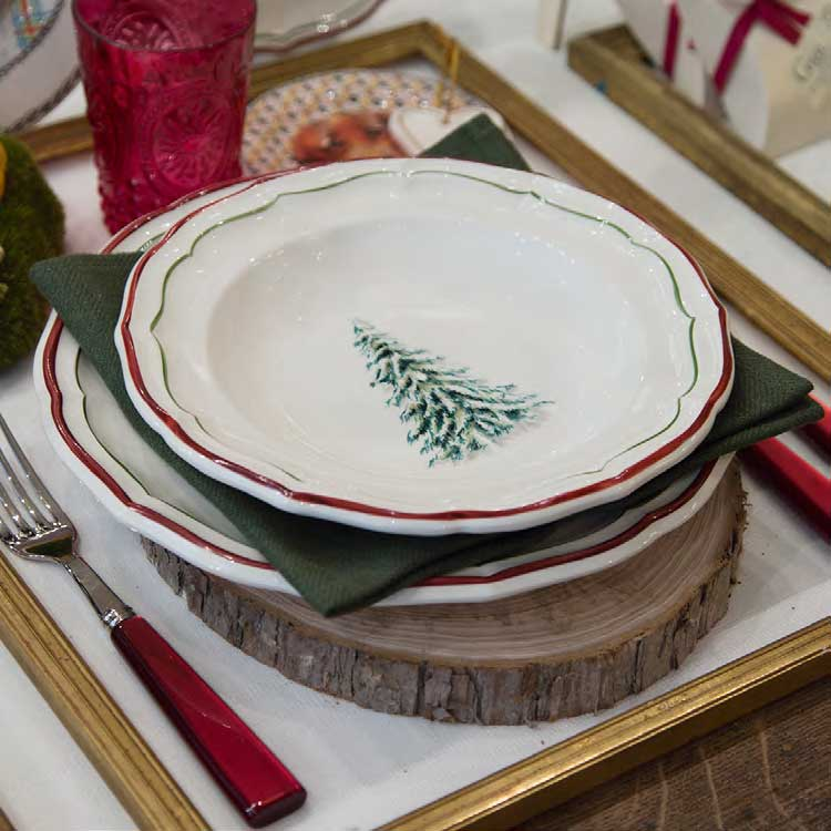 Gien Filet Noel Pattern